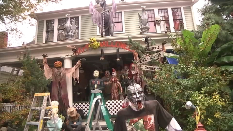 Raleigh Halloween House Home In Historic Oakwood Known For Spooky Halloween Decorations Abc11 Raleigh Durham