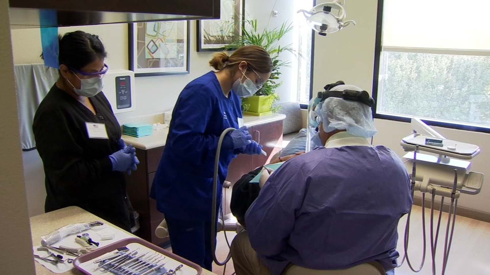 Event provides veterans with free dental care in Fresno