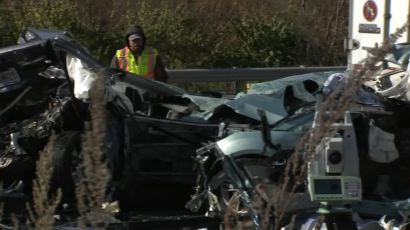 1 dead in chain-reaction crash on NB I-55 near Wilmington