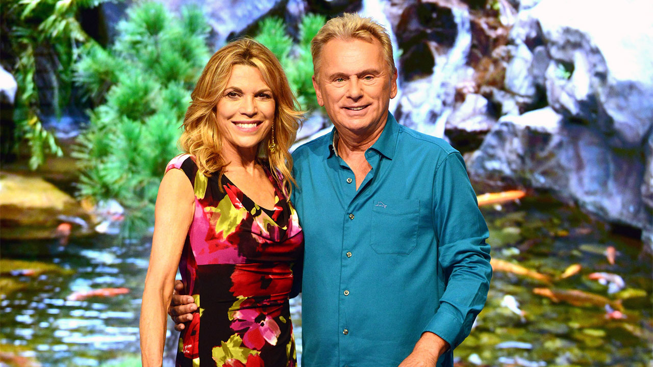 Pat Sajak Health Wheel Of Fortune Host Undergoes Emergency Surgery Vanna White Fills In Abc7 Chicago