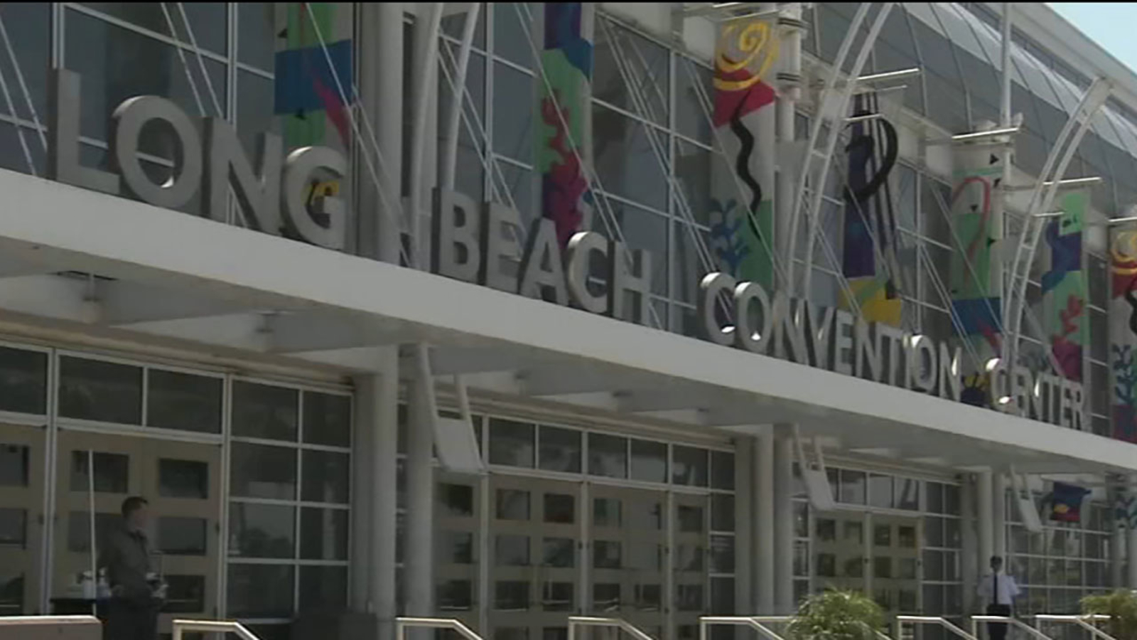 Long Beach hosts California Democratic convention featuring presidential candidates