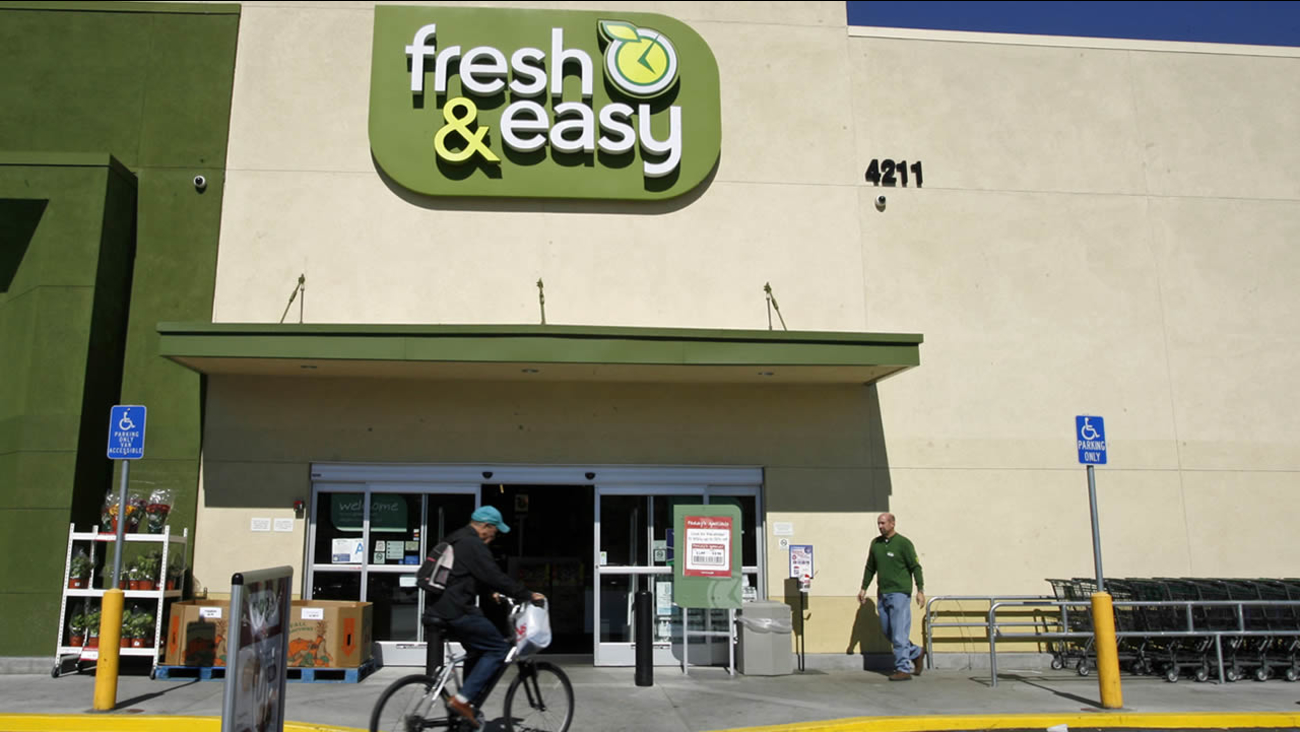 Customers shop at the Fresh & Easy Neighborhood Market in the Eagle Rock section of Los Angeles on Tuesday, Oct. 14, 2008. (AP Photo/Damian Dovarganes)