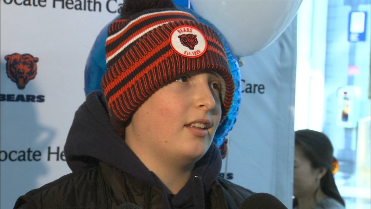 Suburban teen undergoing chemotherapy enjoys experience of lifetime with Chicago Bears