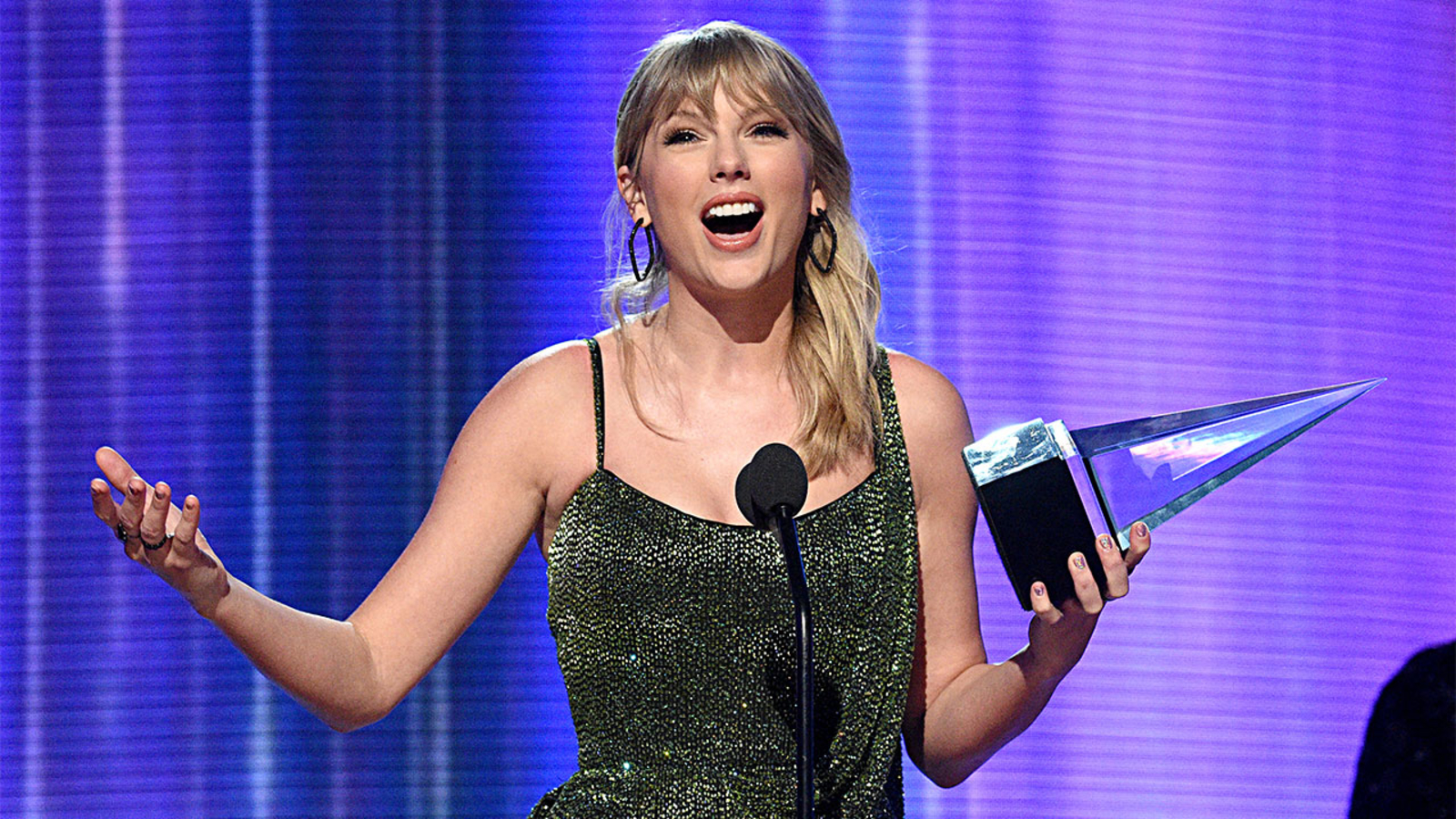 Taylor Swift American Music Awards 2019 Artist Could Make History With Two Wins Abc13 Houston
