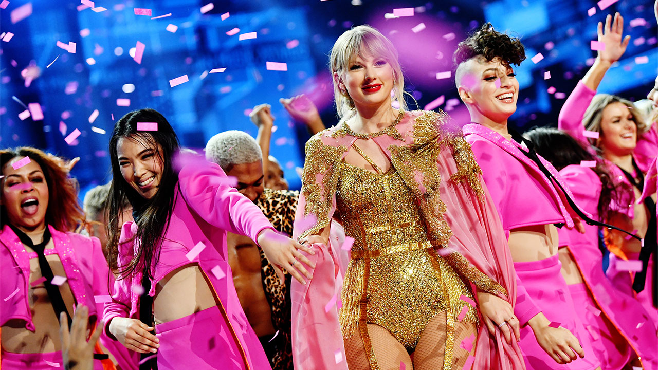 Taylor Swift American Music Awards 2019 Swift Shatters Michael Jackson S Record For All Time Wins Abc7 Com
