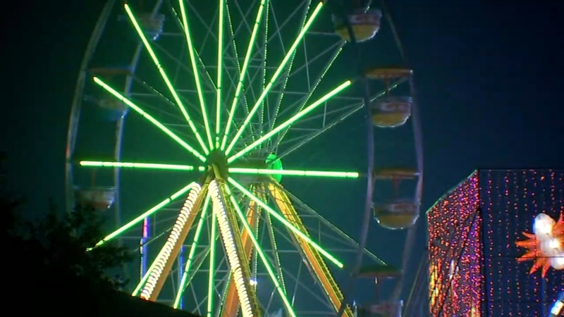 CAUGHT ON CAMERA: Ferris wheel part crashes to the ground