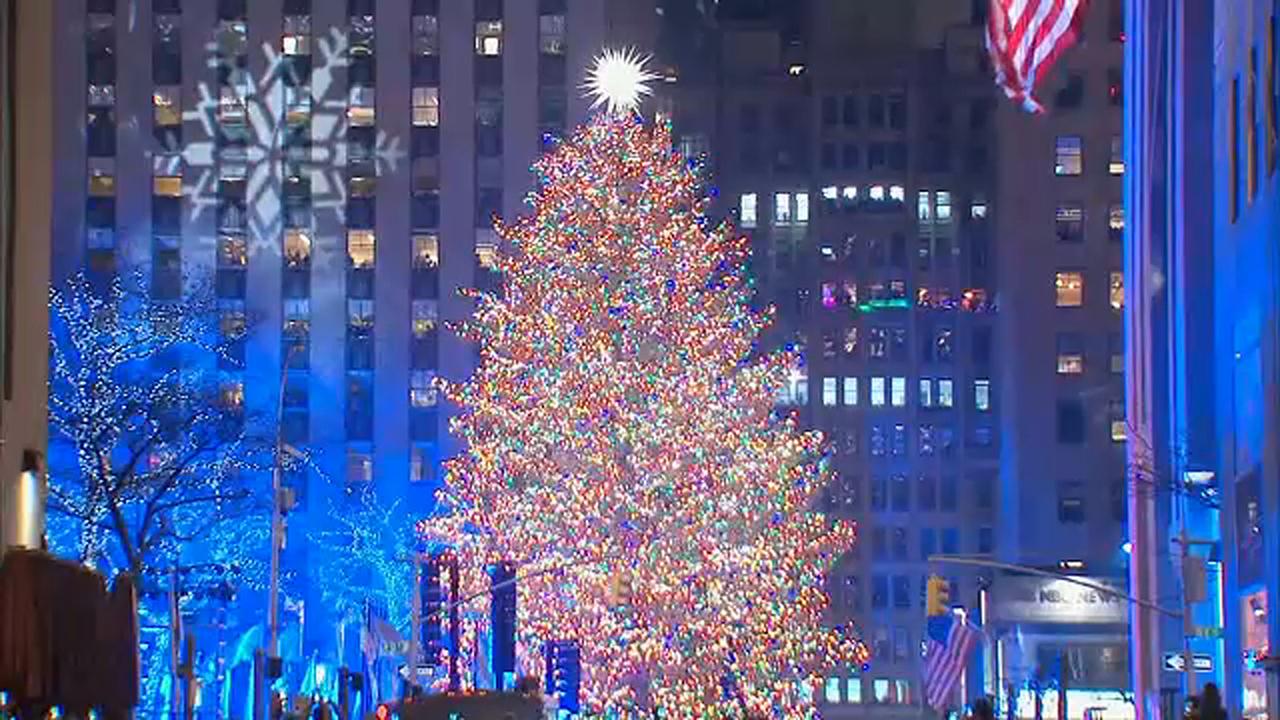 Rockefeller Center Christmas Tree Lighting Ceremony Held Abc7 New York