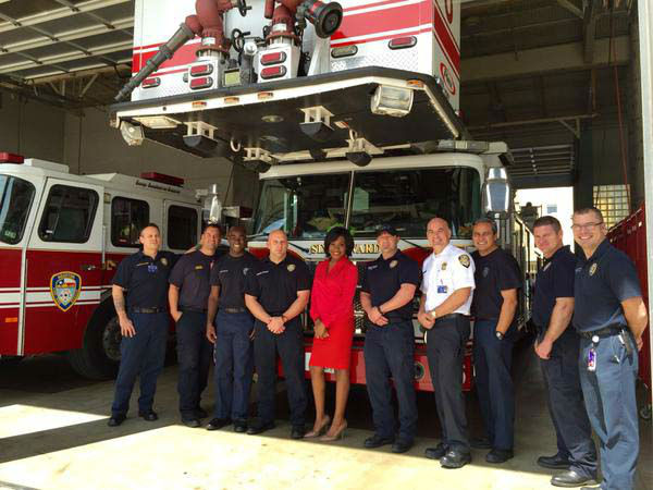 """<div class=""""meta image-caption""""><div class=""""origin-logo origin-image none""""><span>none</span></div><span class=""""caption-text"""">Samica Knight visited Houston firefighters at Station 6 (KTRK Photo)</span></div>"""