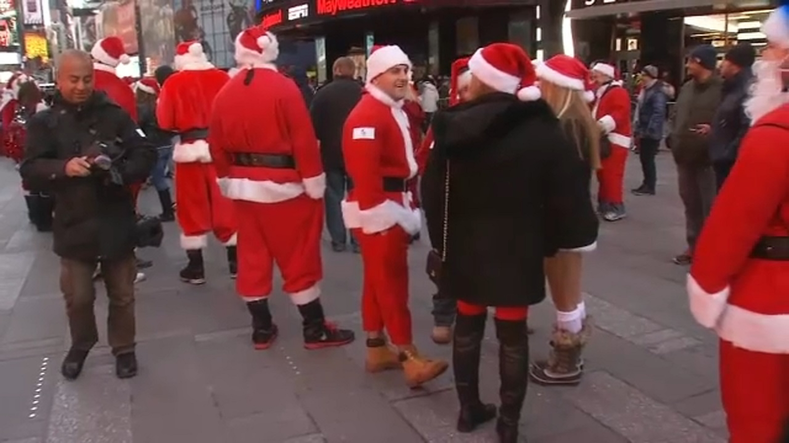 What you need to know before NYC SantaCon