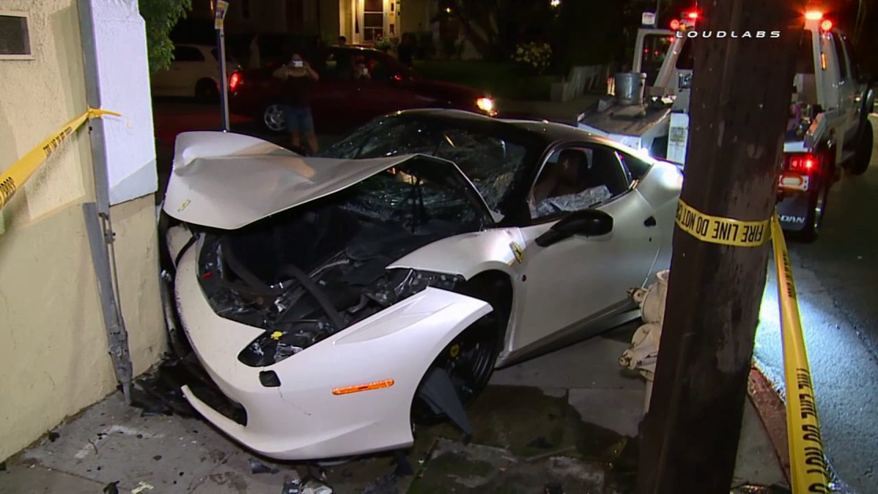 Ferrari Crashes In Hollywood After Street Racing Abc7 Los Angeles