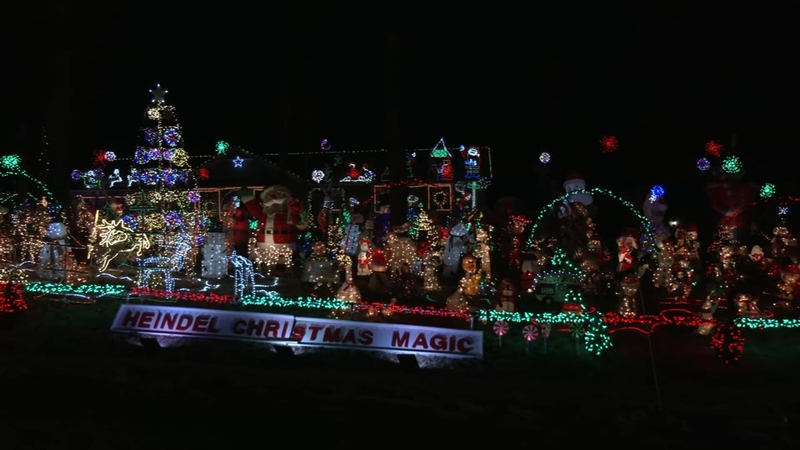 Fayetteville Nc Kinwood Christmas Lights 2021 Nc Holiday Lights 2020 Here Are North Carolina Christmas Light Displays In Raleigh Durham And Fayetteville Abc11 Raleigh Durham
