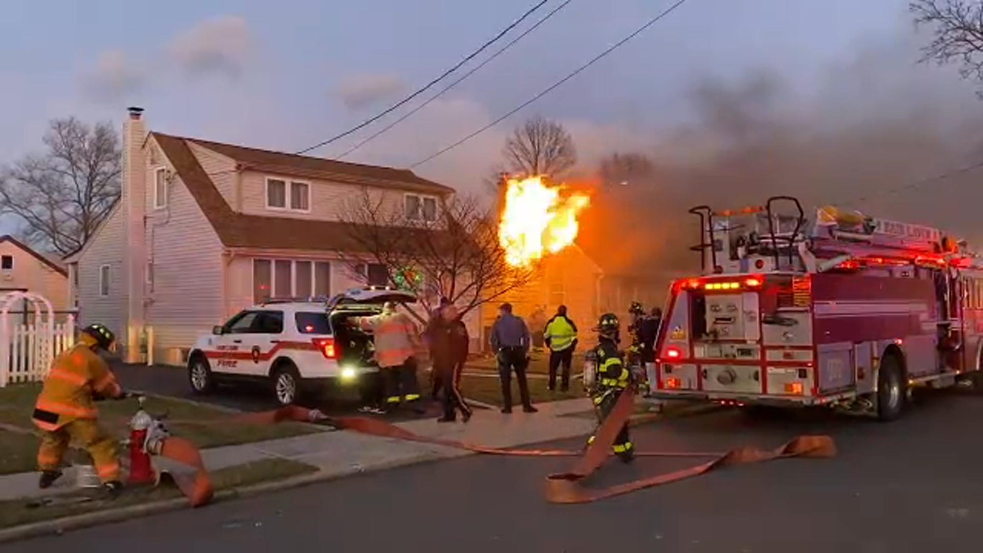 3 Alarm Fire Burns Through Vacant Home In Fair Lawn Abc7 New York