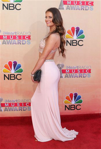 "<div class=""meta image-caption""><div class=""origin-logo origin-image none""><span>none</span></div><span class=""caption-text"">Hannah Stocking arrives at the iHeartRadio Music Awards at The Shrine Auditorium on Sunday, March 29, 2015</span></div>"