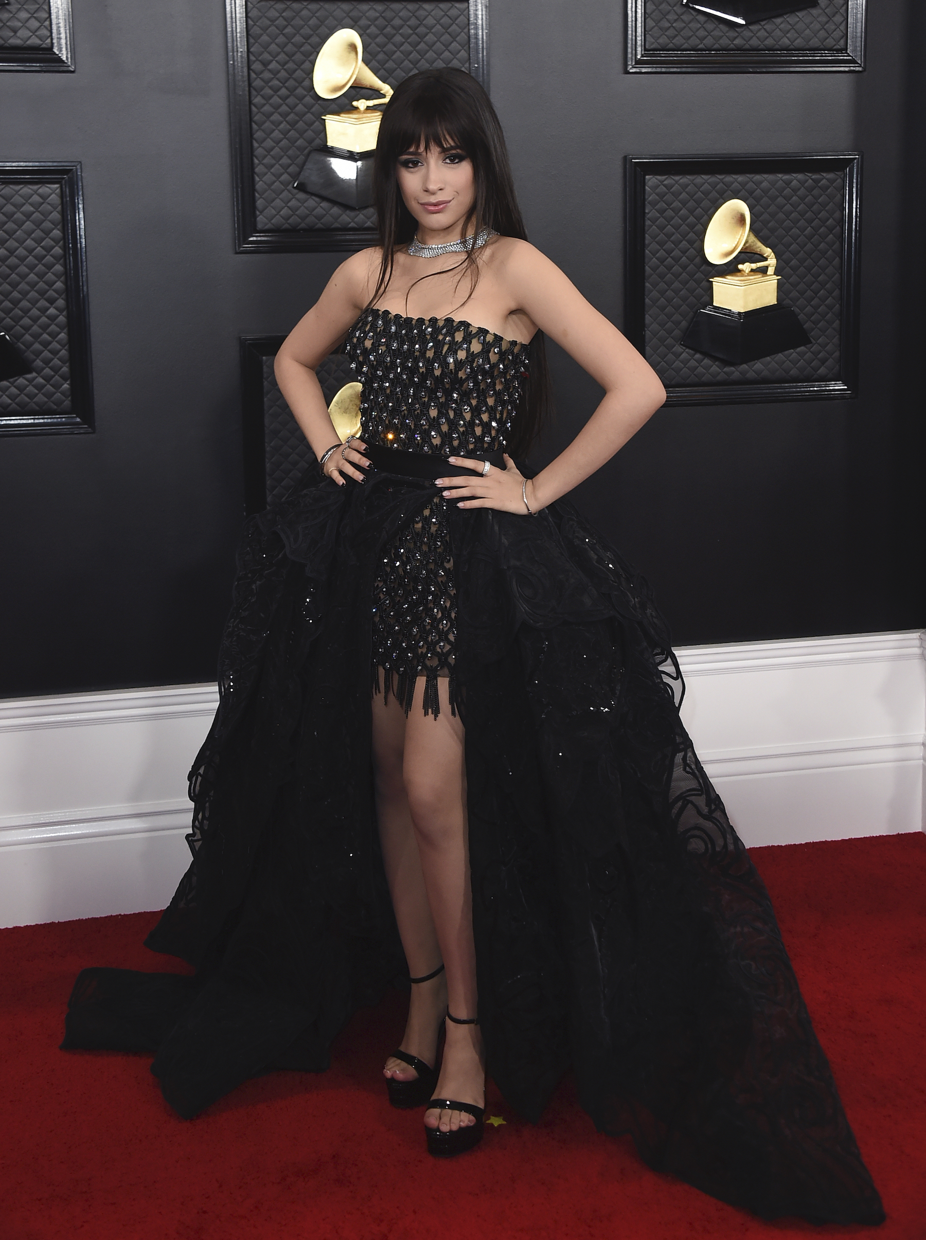 grammys red carpet 2020 see what the stars are wearing on music s biggest night abc7 chicago grammys red carpet 2020 see what the stars are wearing on music s biggest night abc7 chicago