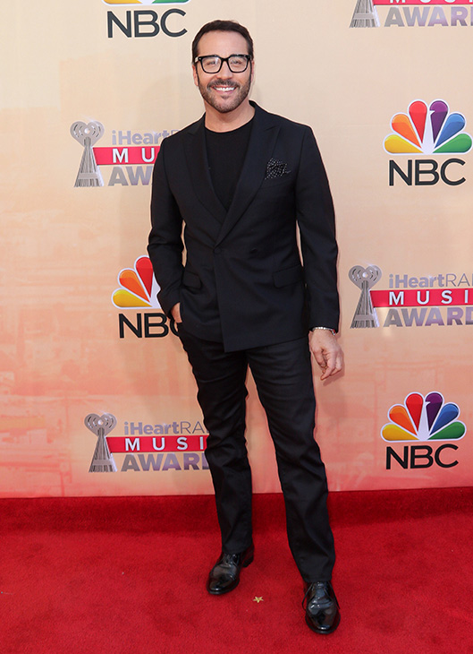 """<div class=""""meta image-caption""""><div class=""""origin-logo origin-image none""""><span>none</span></div><span class=""""caption-text"""">Jeremy Piven arrives at the iHeartRadio Music Awards at The Shrine Auditorium on Sunday, March 29, 2015, in Los Angeles. (John Salangsang/Invision/AP)</span></div>"""