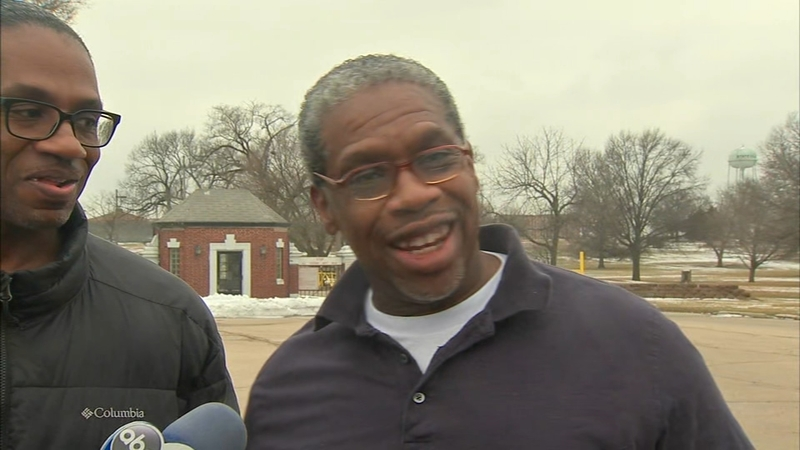 James Fletcher Freed Man Wrongfully Convicted In 1990 Murder Released From Stateville Correctional Center After 19 Years Abc7 Chicago