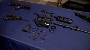 """洛杉矶警察局称 """"幽灵枪 """"是一种 """"流行病"""",因为自2017年以来,缴获量增加了400%"""