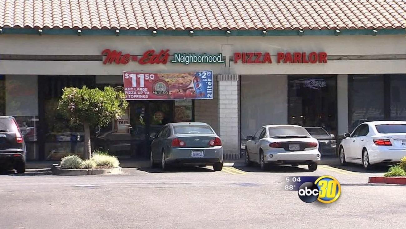 Armed robber holds up Merced Me-N-Ed's Pizza restaurant