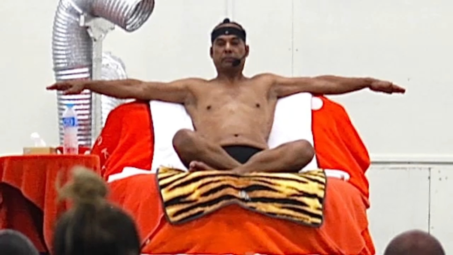 Bikram Yoga Founder Bikram Choudhury Trapped In Mexico After Passport Seized Fleet Of Ca Cars To Be Auctioned Abc7 Los Angeles