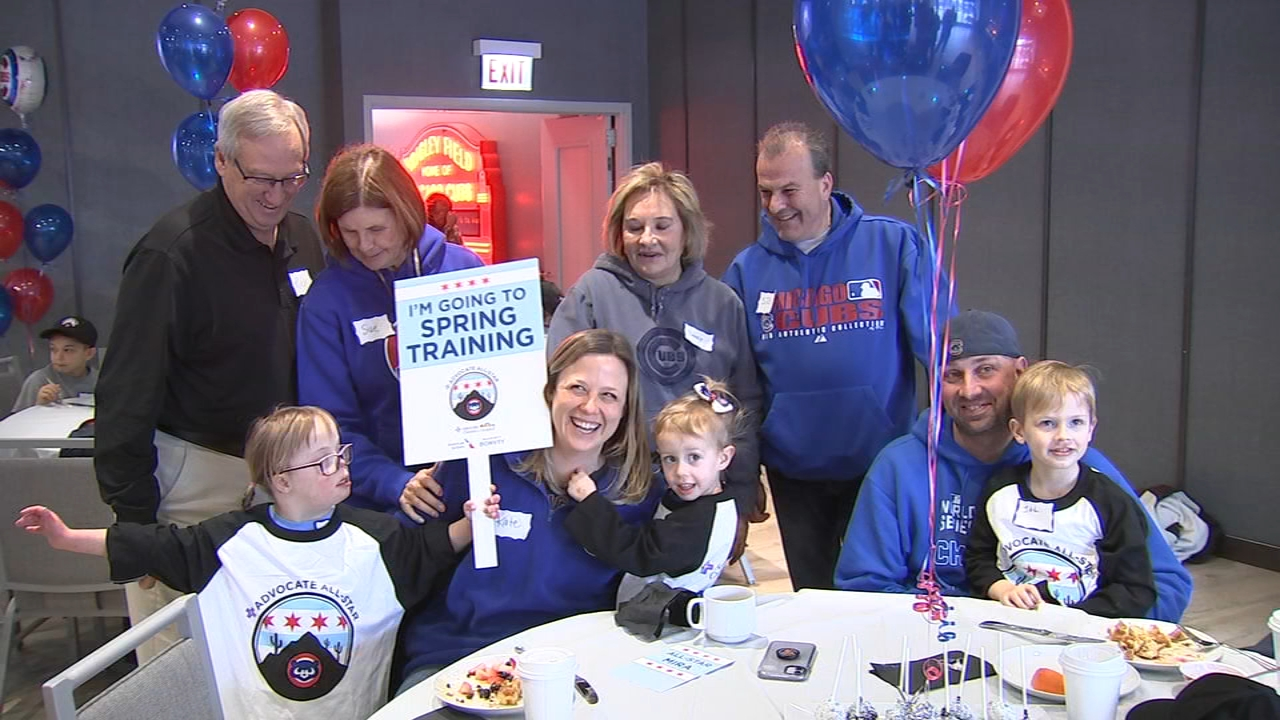 Pediatric cancer patients surprised with dream trip to Cubs' spring training in Arizona
