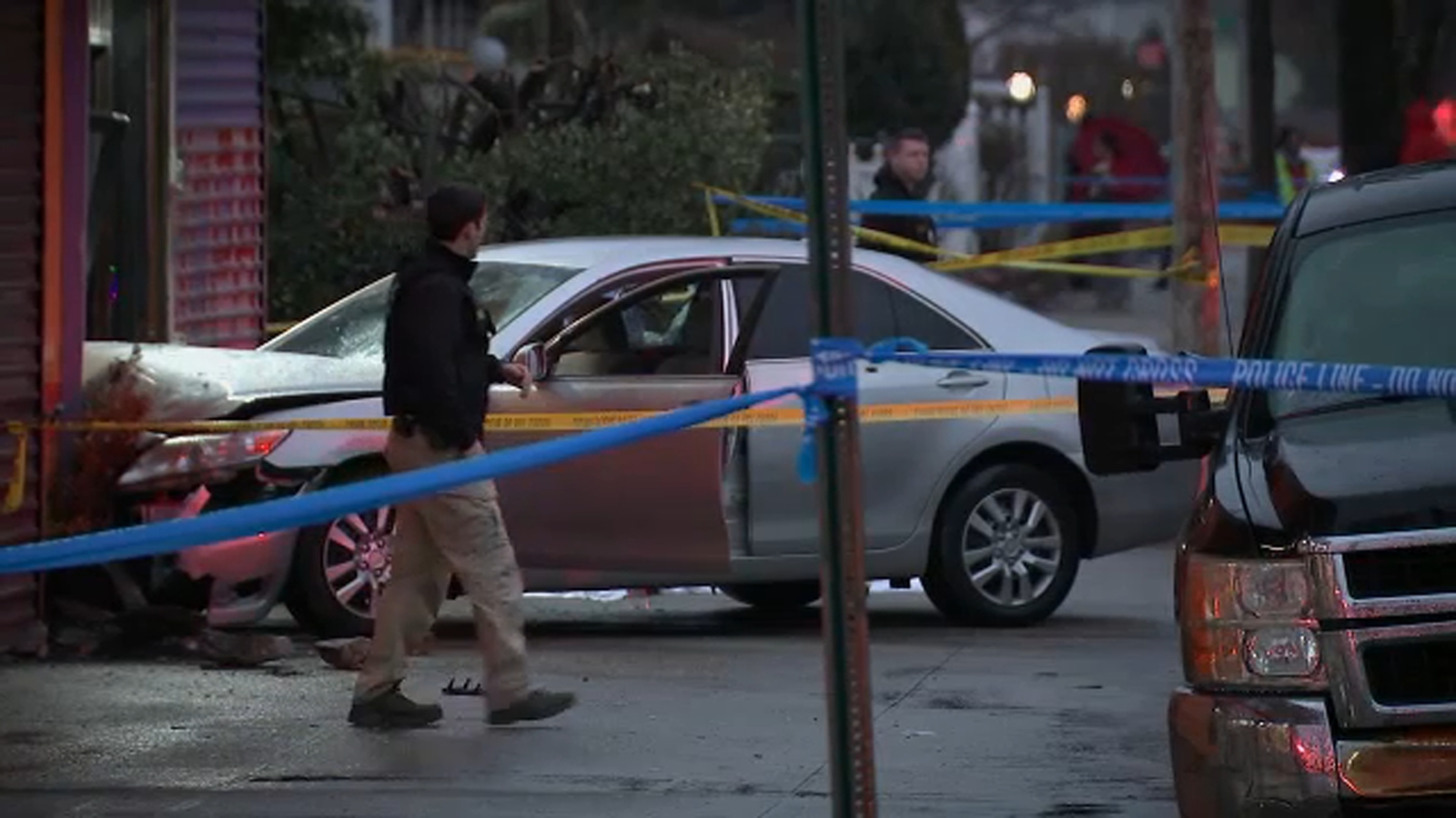 Suspected carjacker dead after police-involved shooting, chase in Queens