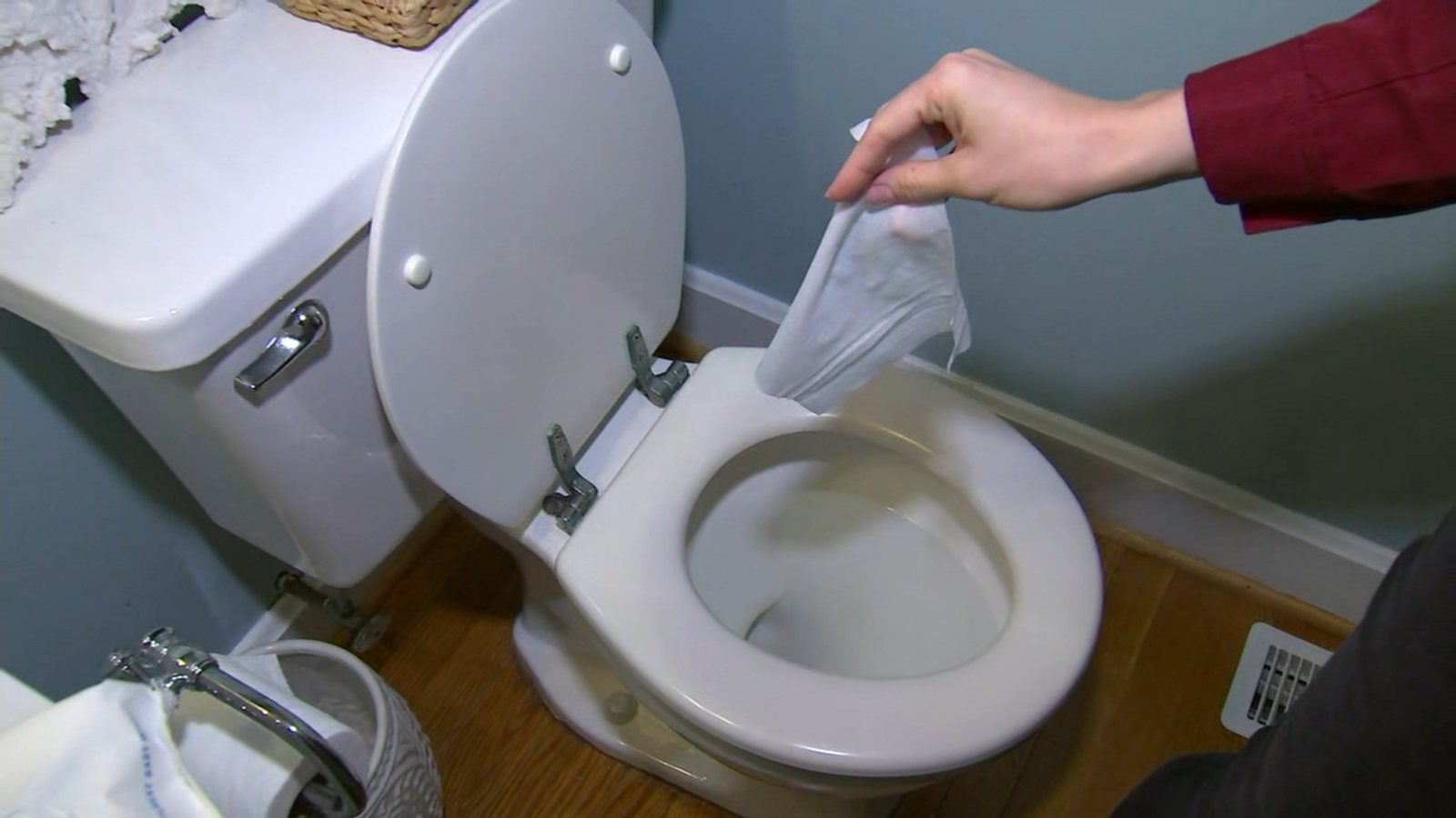 Do Not Flush Cleaning Wipes Down The Drain Raleigh Water Warns Abc11 Raleigh Durham