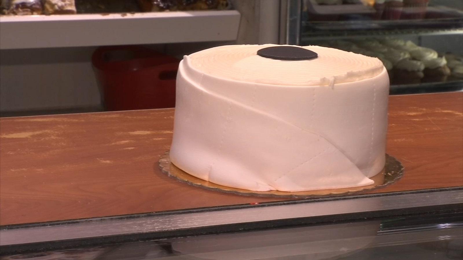 A Laugh During Covid 19 Scare Traub S Bakery In Prospect Park Delaware County Is Selling Toilet Paper Cakes 6abc Philadelphia