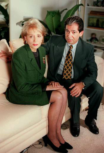 """<div class=""""meta image-caption""""><div class=""""origin-logo origin-image """"><span></span></div><span class=""""caption-text"""">Longtime O.J. Simpson friend and defense attorney  Robert Kardashian sits with Barbara Walters in this undated photo. (AP Photo/ABC, Randy Holmes)</span></div>"""
