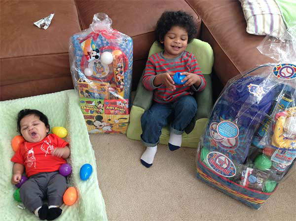 """<div class=""""meta image-caption""""><div class=""""origin-logo origin-image """"><span></span></div><span class=""""caption-text"""">Action News caught up with Ducis Rodgers, his wife Diana, baby Dylan and big brother Devin! (WPVI Photo/ WPVI)</span></div>"""