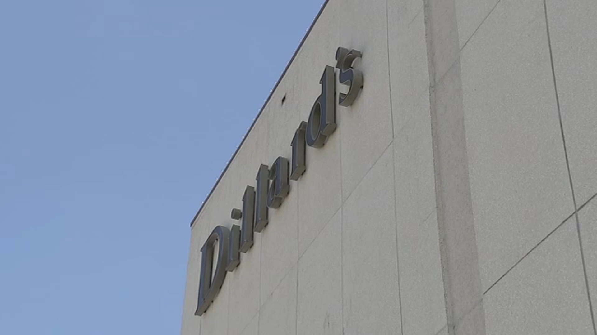 Coronavirus Houston Dillard S Department Store Open On 1st Day Of Stay Home Order Abc13 Houston See dillards hours, opening and closing time of dillards store, check out hours of operation on saturday, sunday, holidays hours and business timing. coronavirus houston dillard s