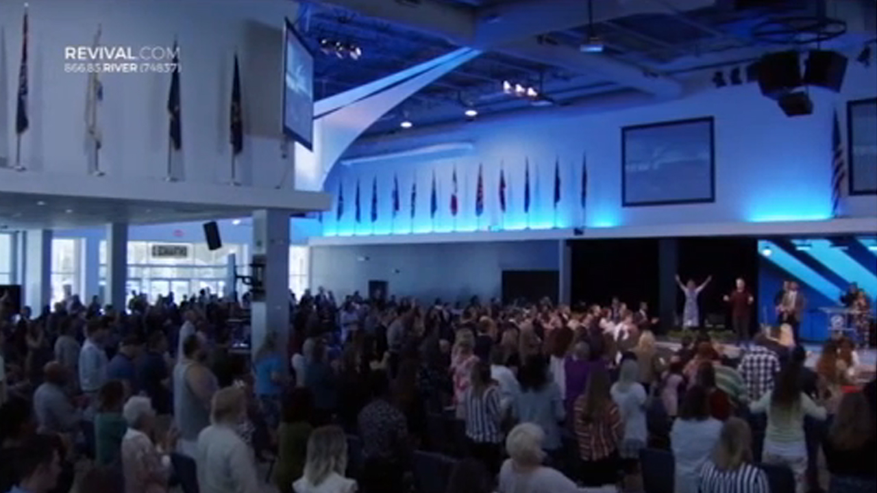 Florida pastor arrested after holding packed church service amid COVID-19 stay-at-home order
