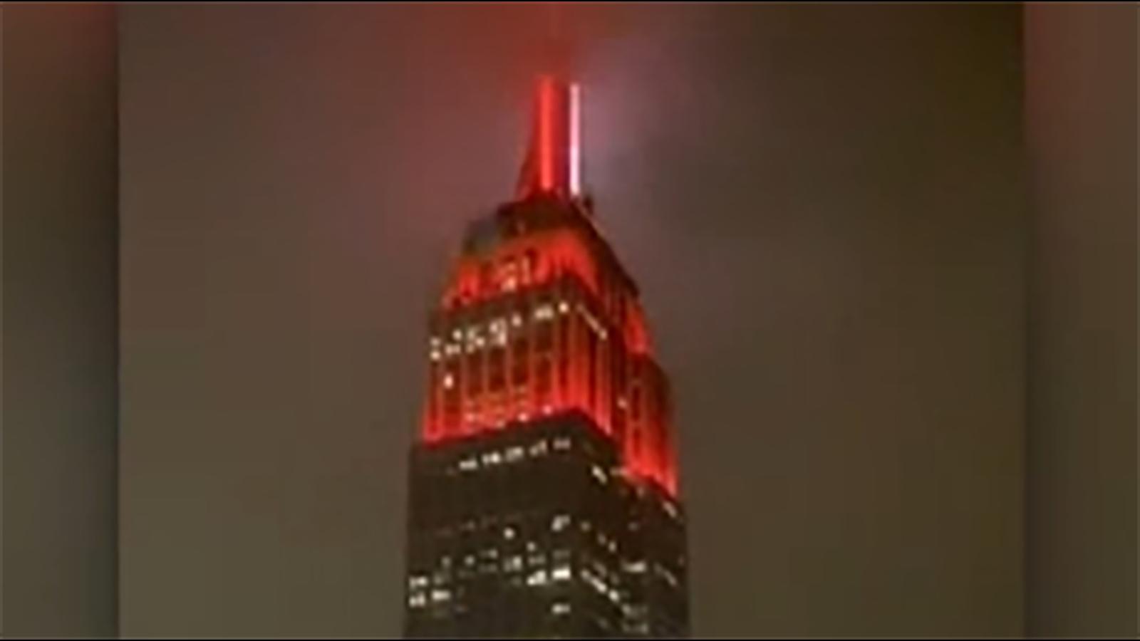 Coronavirus: Empire State building lights up like an ambulance for ...