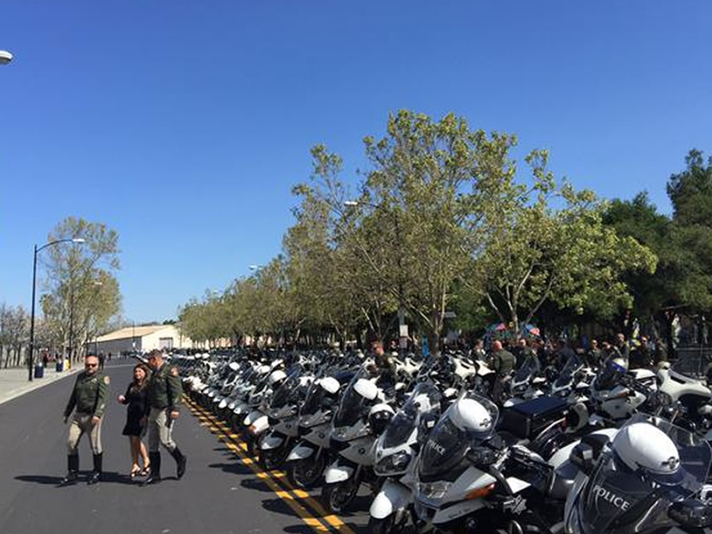 "<div class=""meta image-caption""><div class=""origin-logo origin-image kgo""><span>KGO</span></div><span class=""caption-text"">San Jose police motorcycles lined up outside the SAP Center on Thursday, March 2, 2105. (KGO-TV)</span></div>"