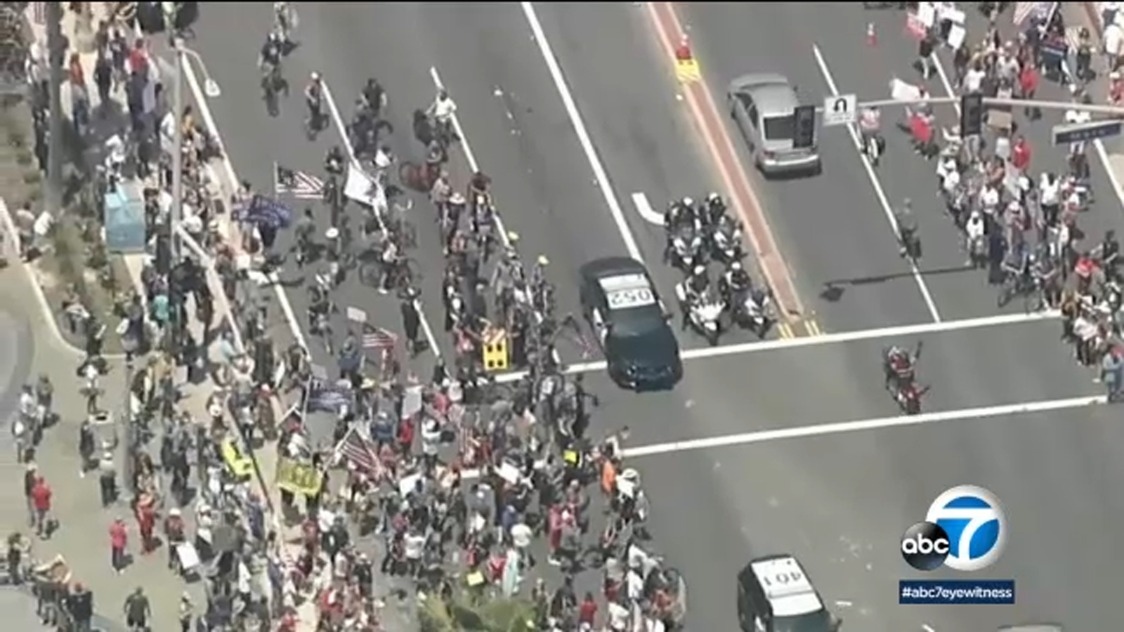 Large Crowds Gather In Huntington Beach To Protest Newsom Stay At Home Orders Abc7 Los Angeles
