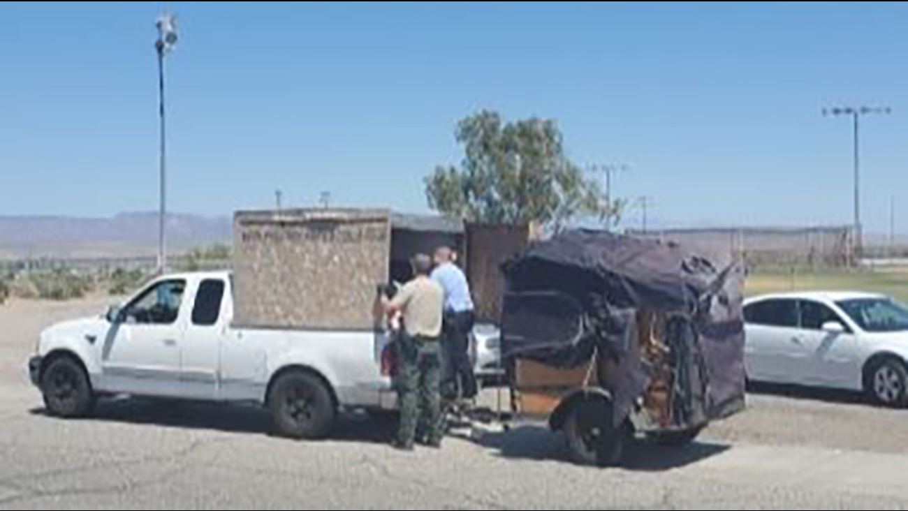 3 arrested after 5 children found in crate on bed of pick-up truck ...