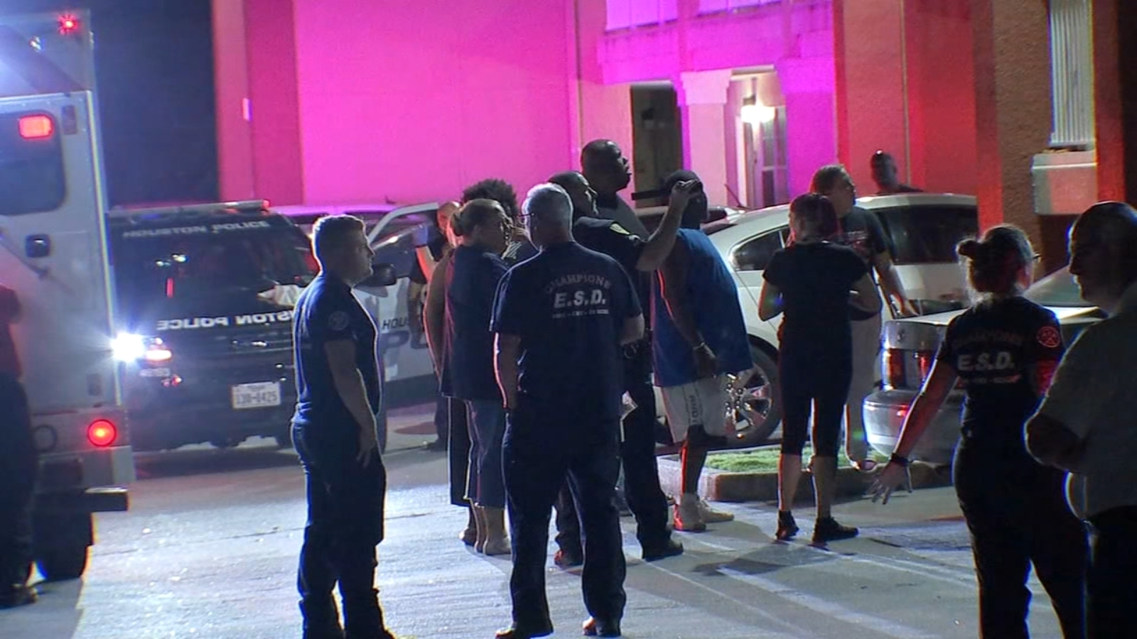 Willowbrook Extended Stay America security guard finds man shot to ...