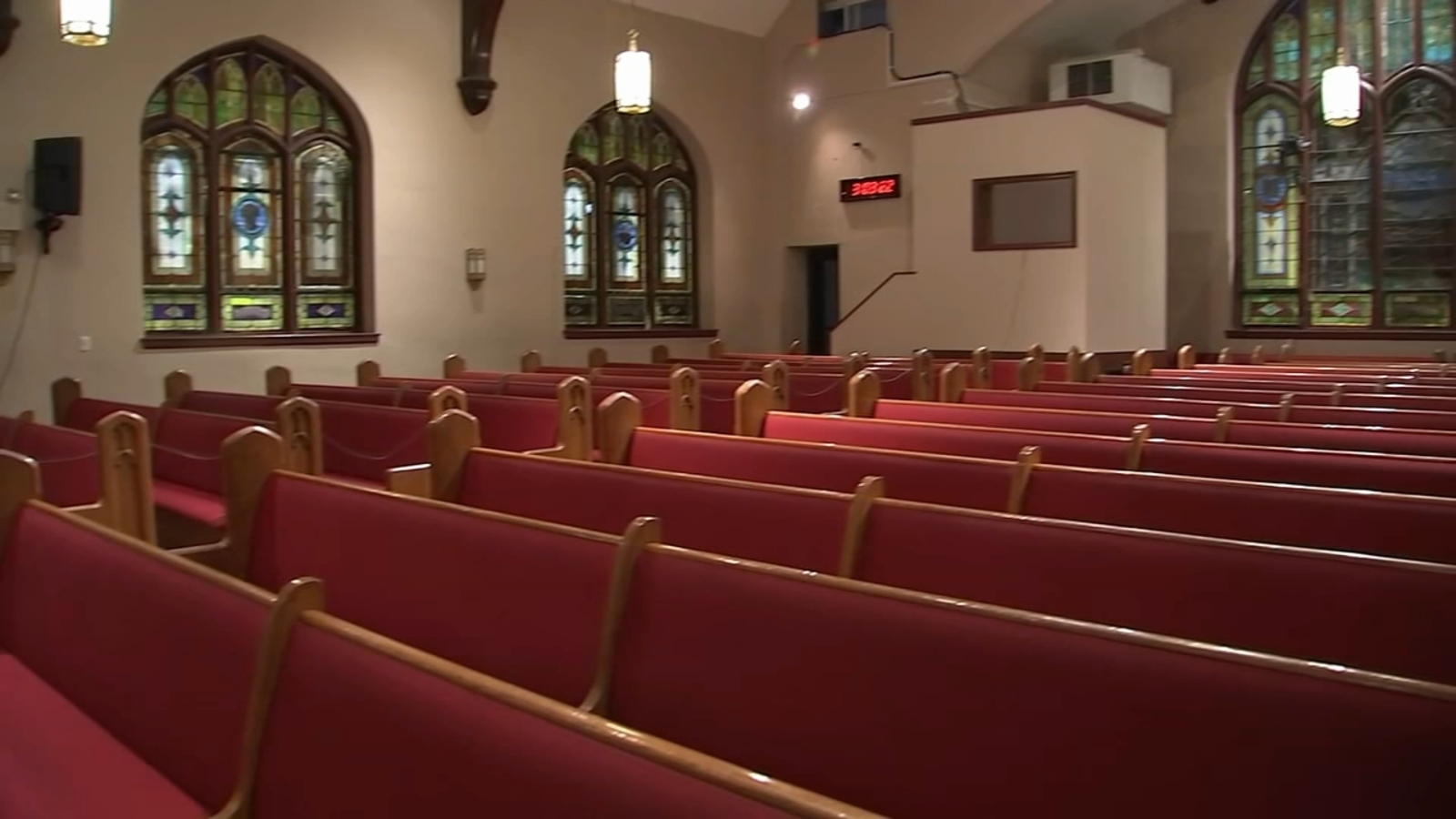 Houses of worship get presidential green light to reopen amid COVID-19