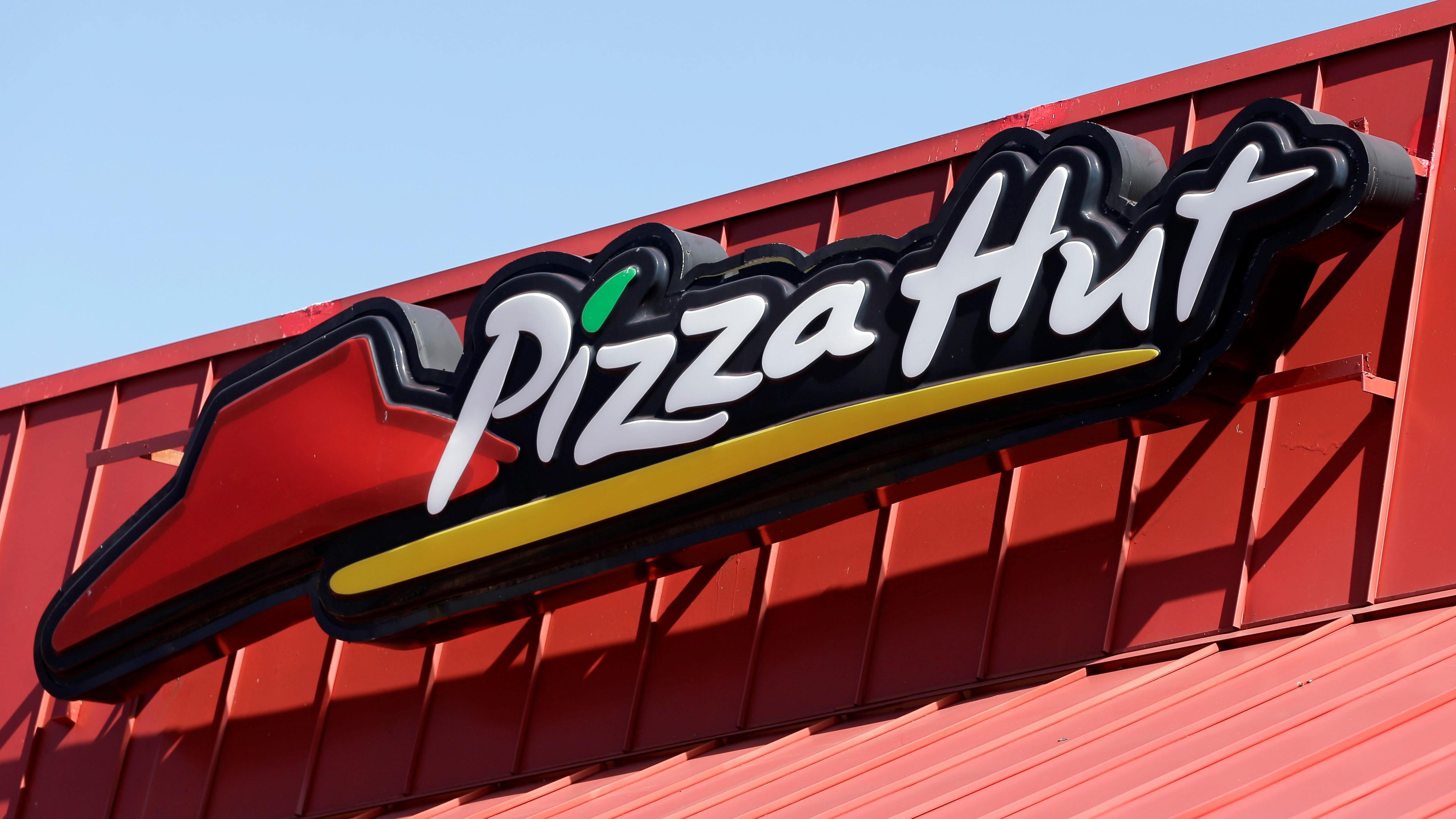 2020 Grads Can Get Free Pizza Hut Pizza Abc13 Houston