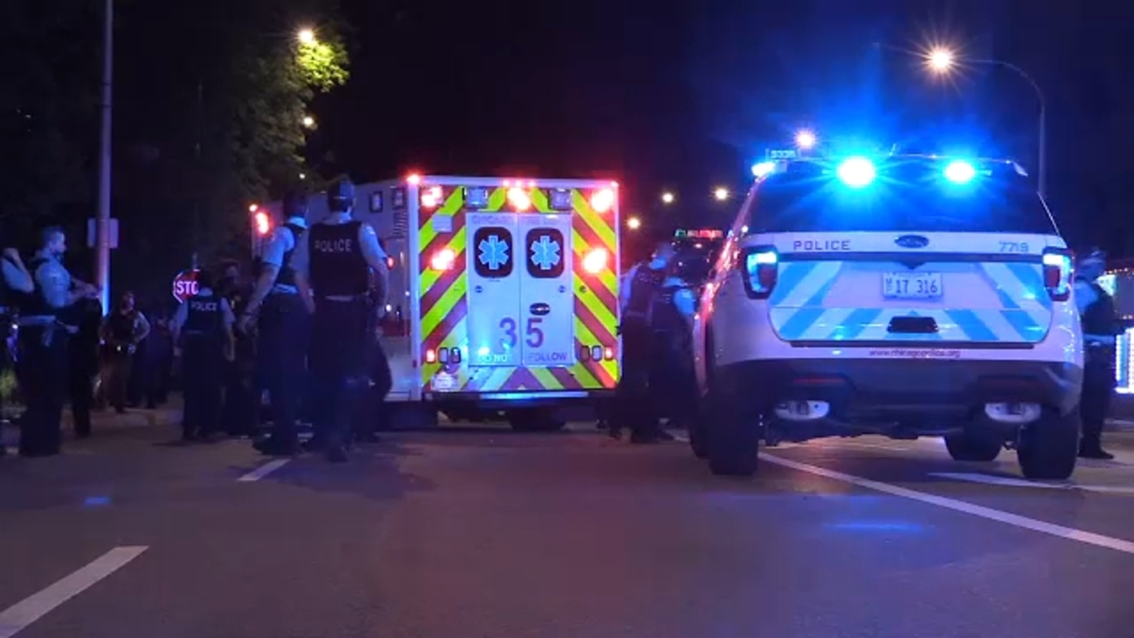 5-year-old girl, 2 teenagers injured in drive-by shooting in Wentworth Gardens on South Side, police say