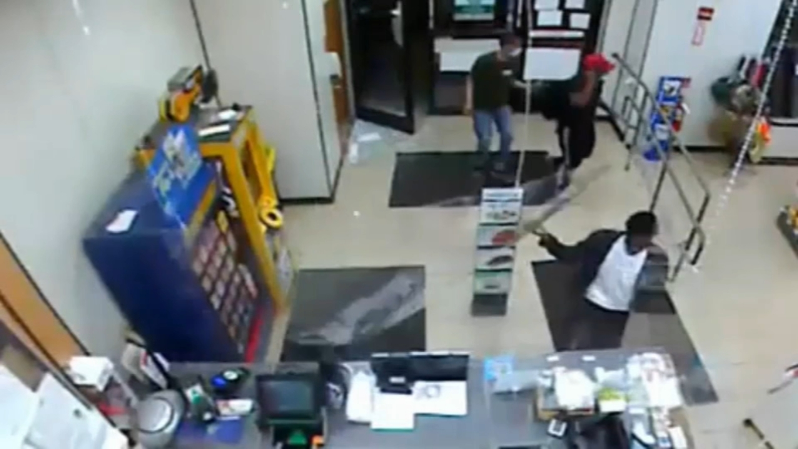 Surveillance video shows Center City 7-Eleven looters