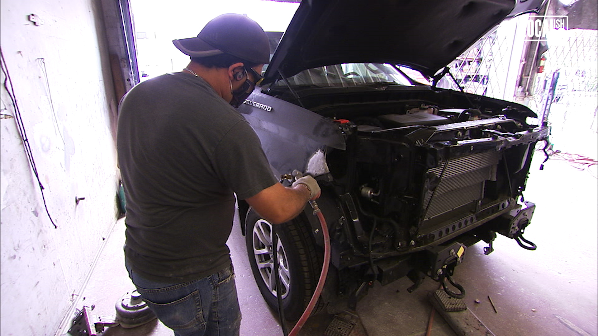 Auto Body Shop Fights To Stay Open Amid Coronavirus Offers Deal To Customers Abc7 Los Angeles