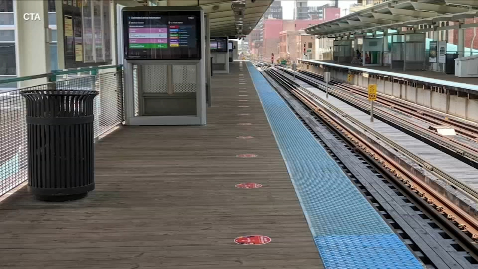 Coronavirus Chicago Cta Launches New Rider Dashboard To Plan For Crowding Bus Capacity Amid Reopening Abc7 Chicago