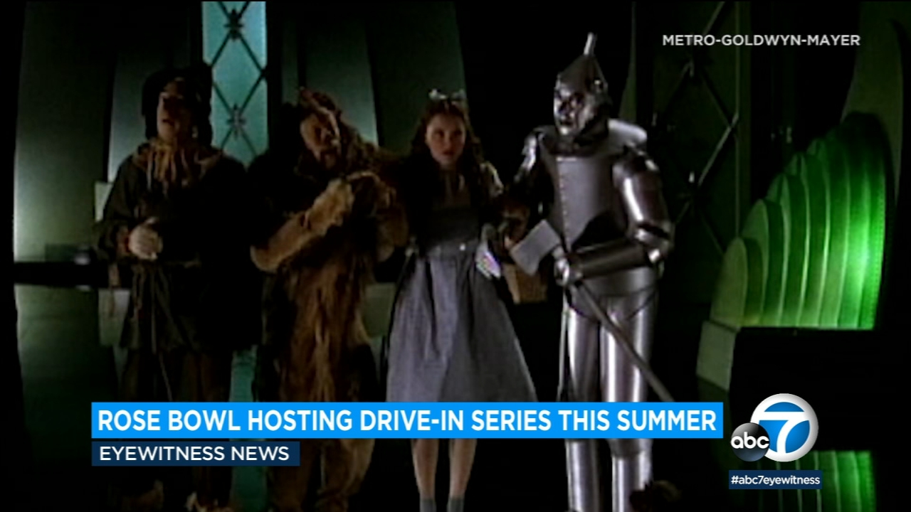 Rose Bowl Hosting Drive In Movie Series This Summer With Screenings Of Jaws Black Panther And More Abc7 Los Angeles