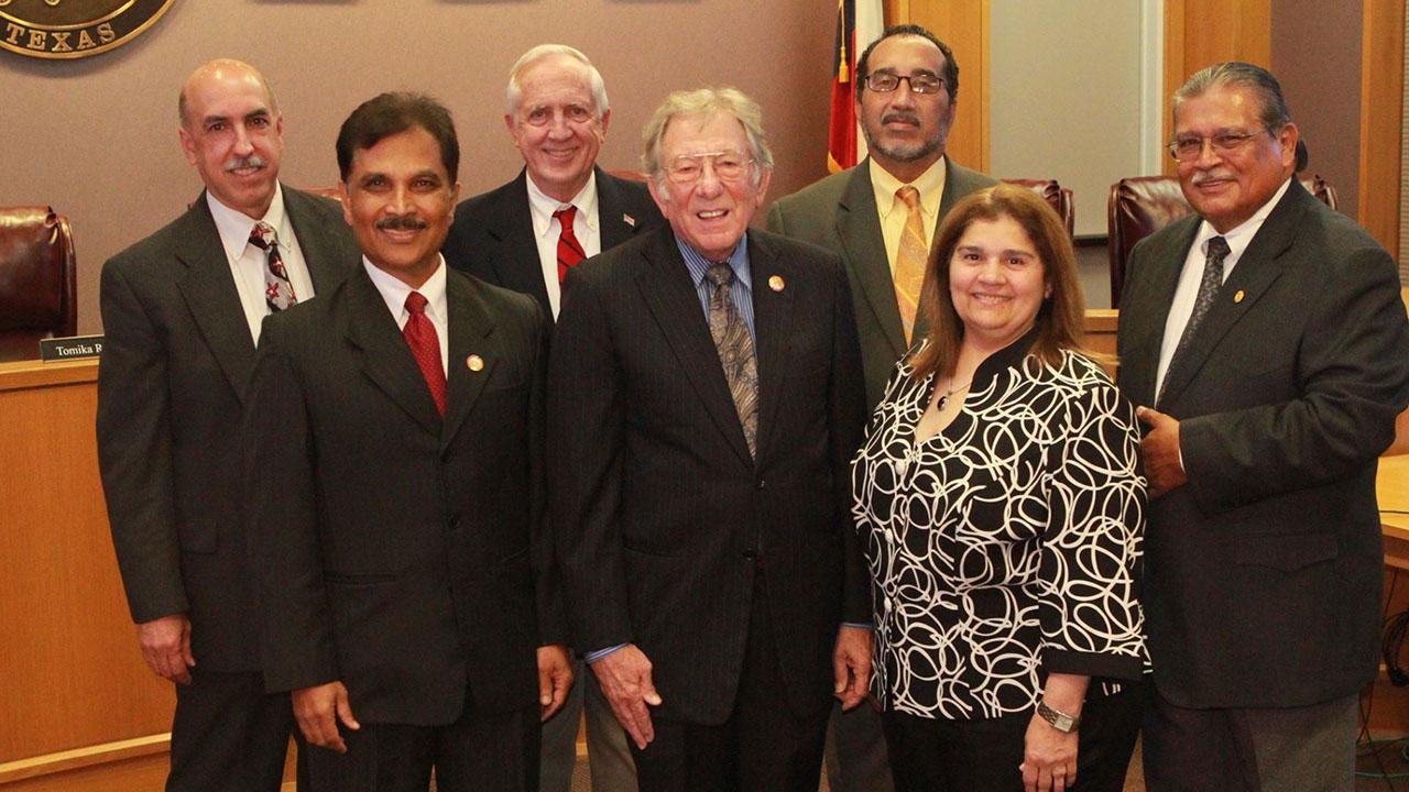 Mayor Leonard Scarcella of Stafford dies at age 79 - ABC13 Houston