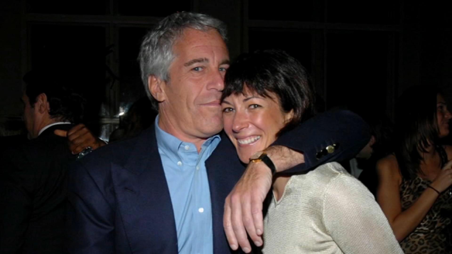 Alleged Jeffrey Epstein facilitator Ghislaine Maxwell taken into federal custody