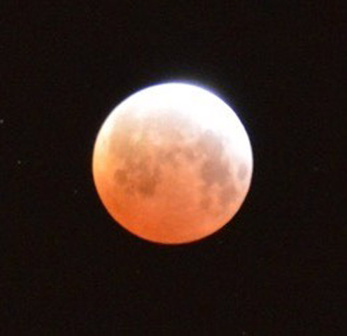 """<div class=""""meta image-caption""""><div class=""""origin-logo origin-image none""""><span>none</span></div><span class=""""caption-text"""">Thanks to an ABC7 viewer for capturing this image of the lunar eclipse in Camarillo on April 4, 2015.</span></div>"""