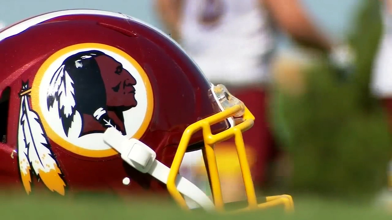 Washington Football Team Dc Nfl Team Adopts Temporary Branding Amid Search For New Name Espn Reports Abc7 Los Angeles
