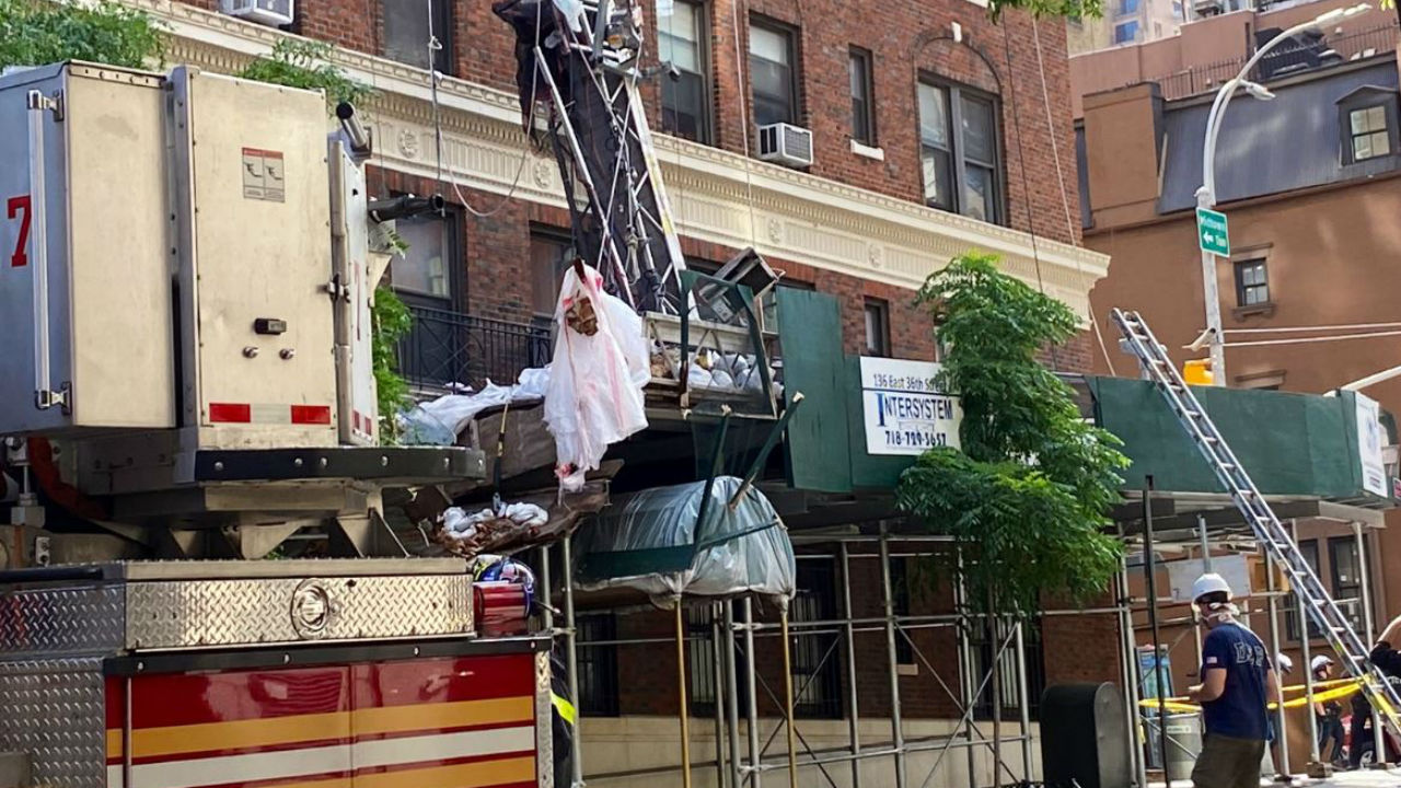 1 dead, 3 injured in Murray Hill, Manhattan scaffolding collapse - ABC7 New  York