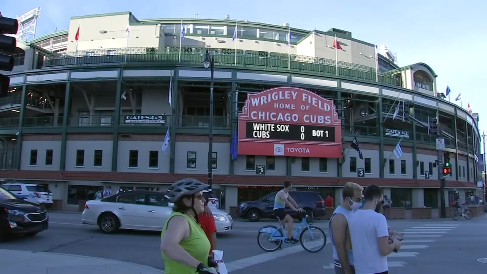 Chicago Cubs, White Sox face off at Wrigley Field in adjusted exhibition  games - ABC7 Chicago