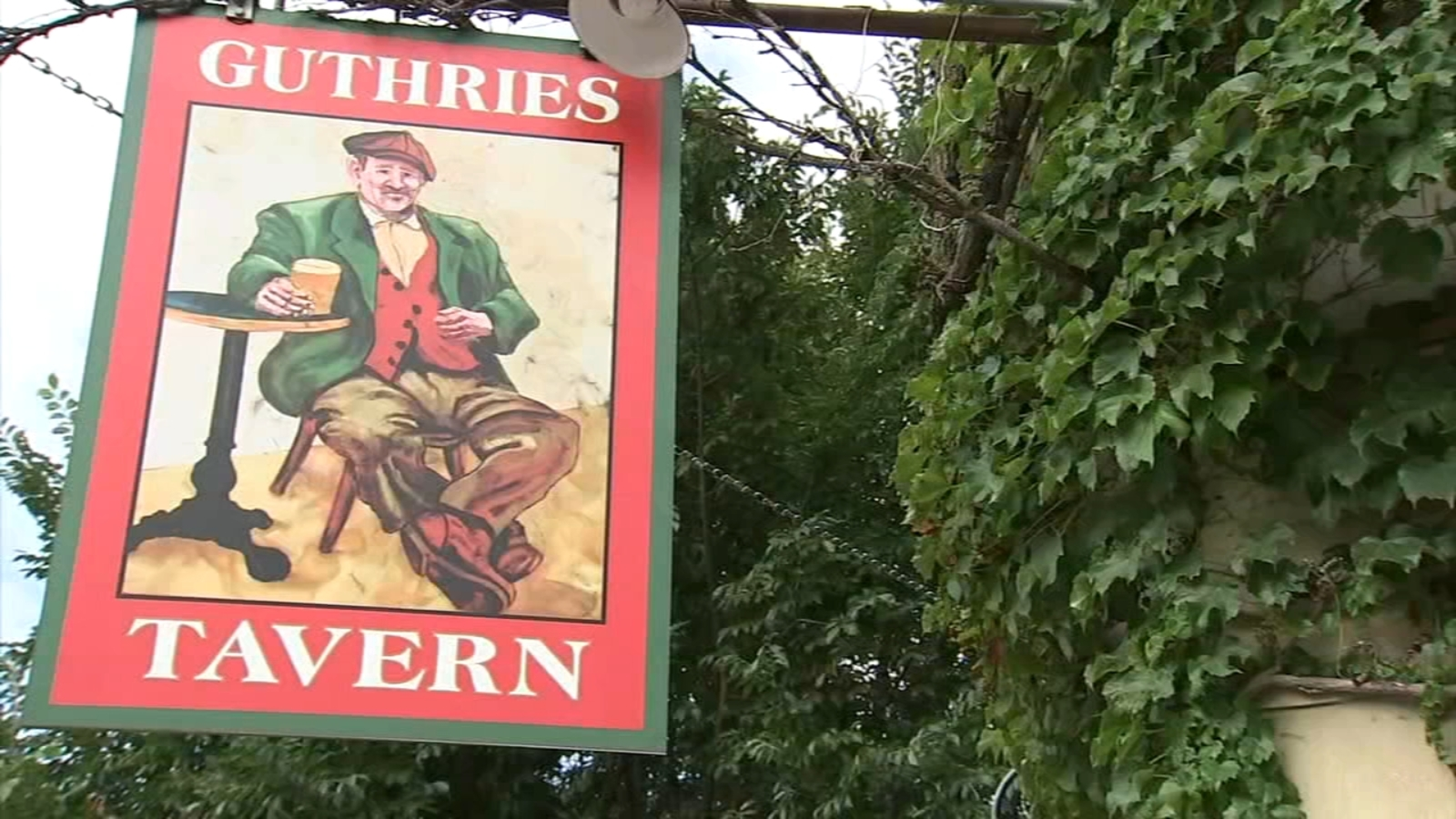 Guthries Tavern in Lakeview will reopen under new ownership